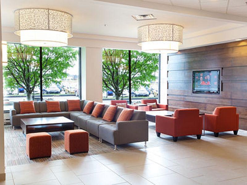 Lobby f 2 big