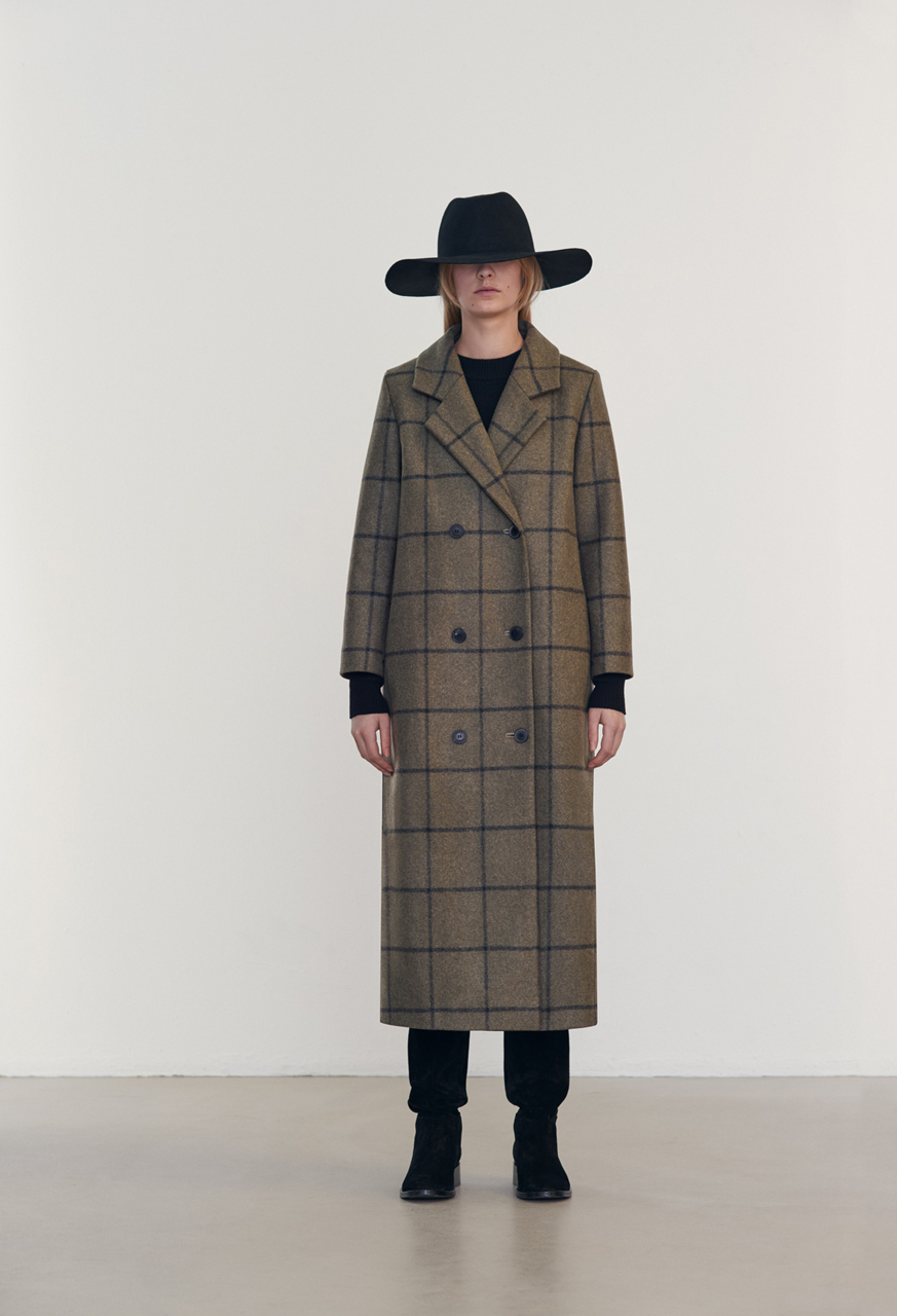 Samuji-fw16-shiro-coat-samui