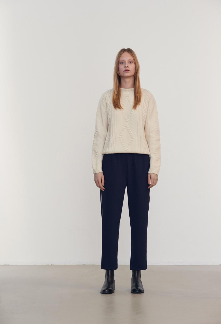 Samuji-fw16-alika-sweater-ecru-lookbookjpg