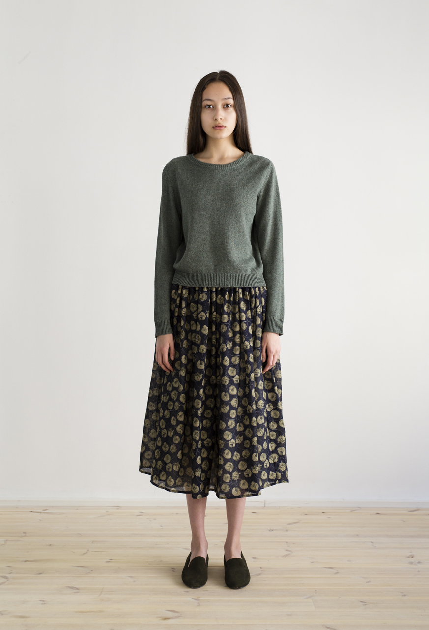 Samuji-resort17-ismene-skirt-ulpukka-tripp-sweater-trinity-green