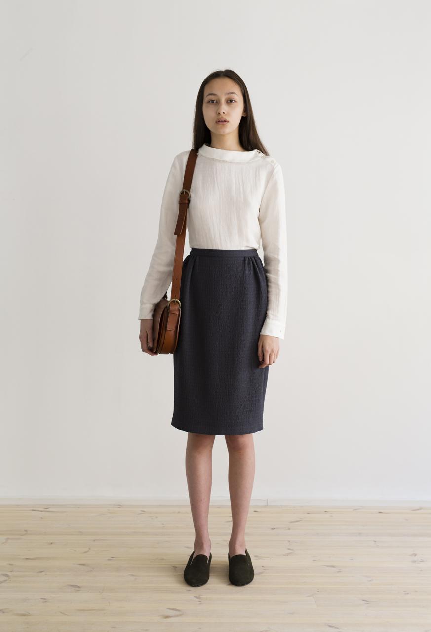 Samuji-virika-shirt-vivid-bente-skirt-bedrock-grey