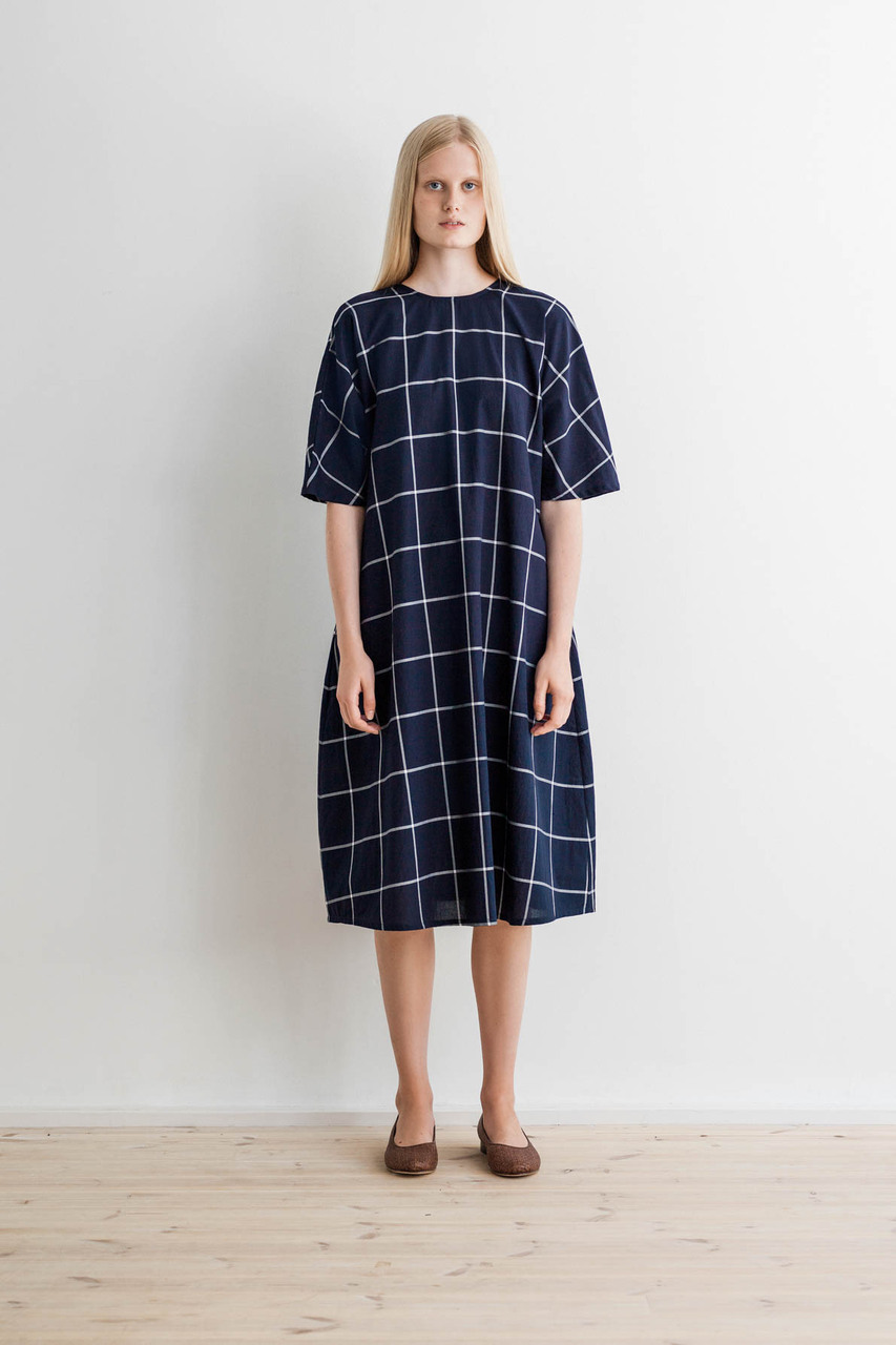 Samuji-ss17-chouko-dress-cottonsquare-navy