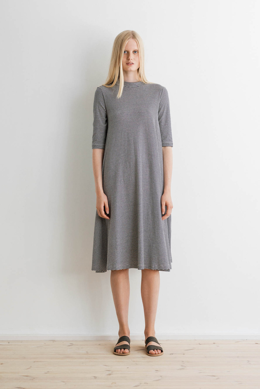 Samuji-ss17-titoro-dress-thin-even-stripe