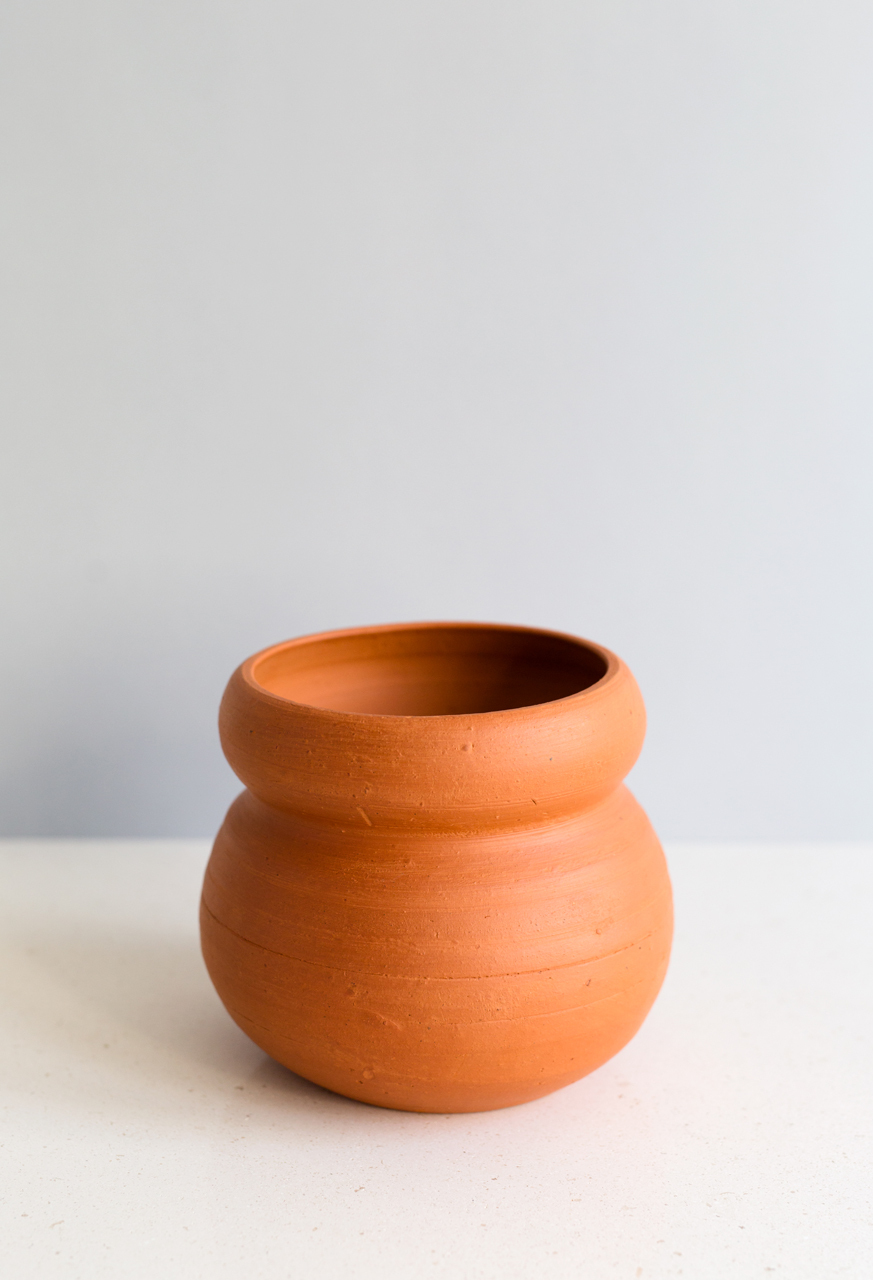 Samuji-koti-red-clay-planter-cocoon