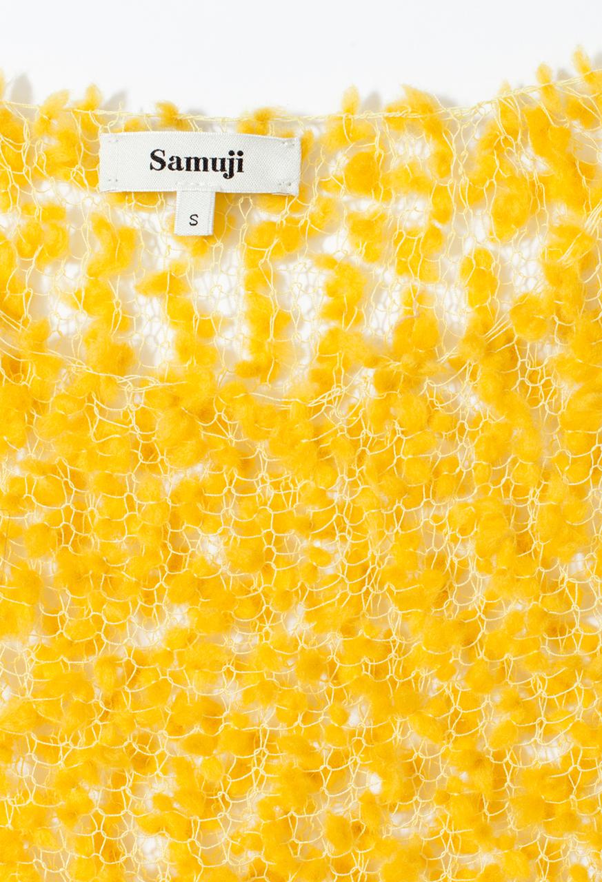 Samuji_resort18_wool_pom_pom