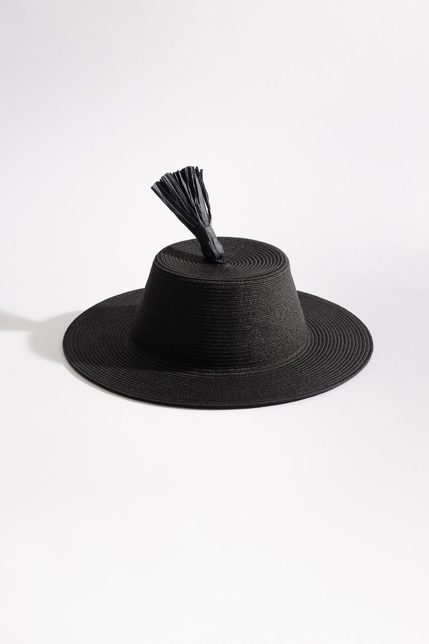 Samuji_ss18_tassel_hat_black_1