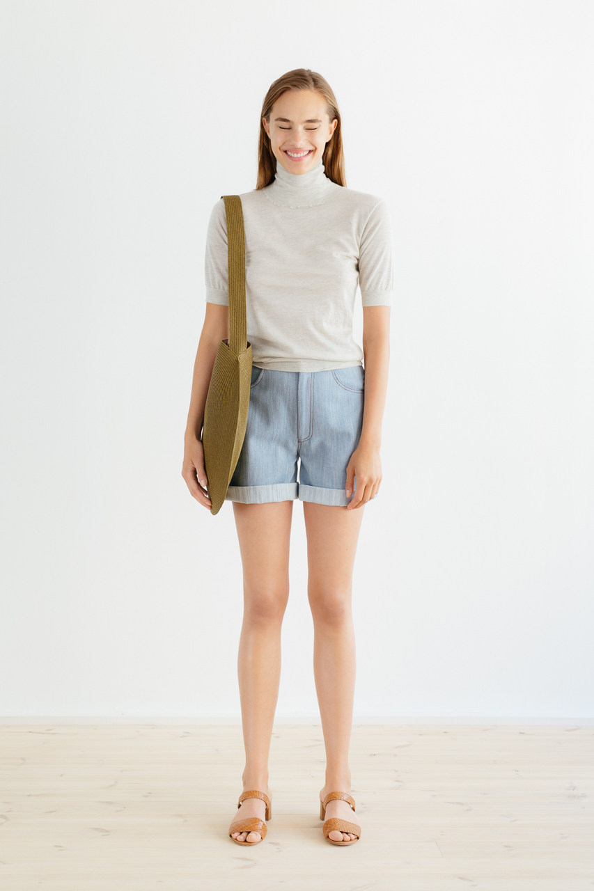 Samuji_ss18_circle_bag_khaki