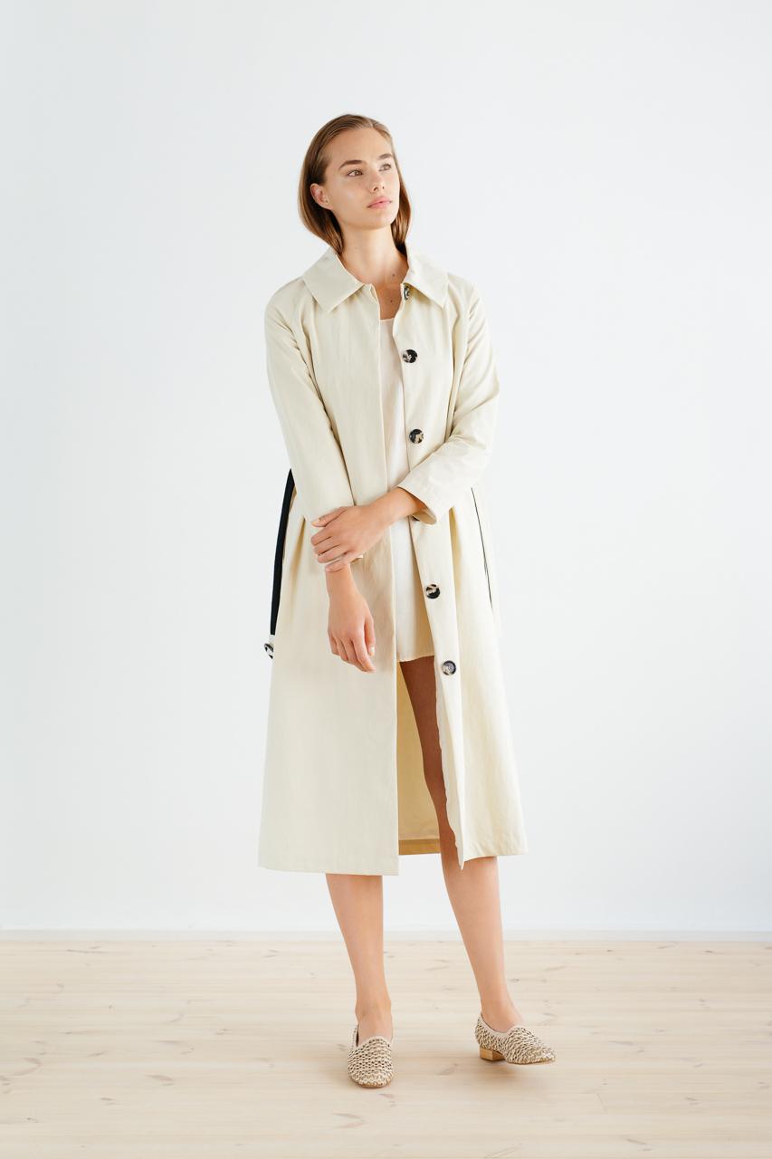 Samuji_ss18_isamu_coat_sand_1