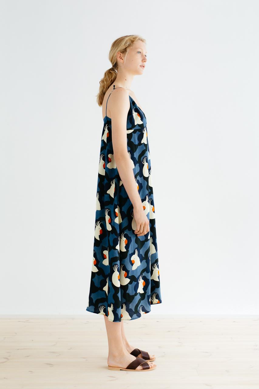 Samuji_ss18_kasumi_dress_pieni_kakadu_blue_4