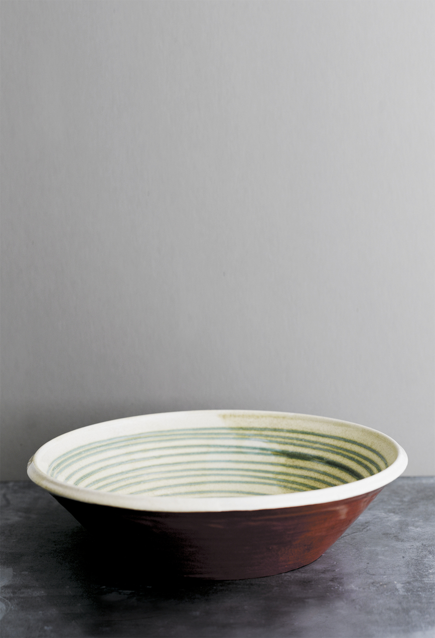 Samuji-koti-platter-redclay-photo-sami-repo