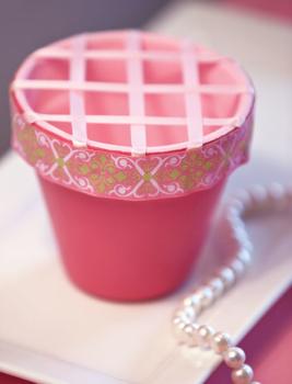 decorating-bucket-full