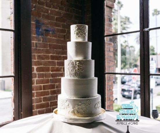 Danielle-Vega-A-Piece-of-Cake-Wedding-Elegant-2.png#asset:14862