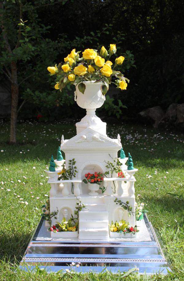 Italian garden inspired structure cake