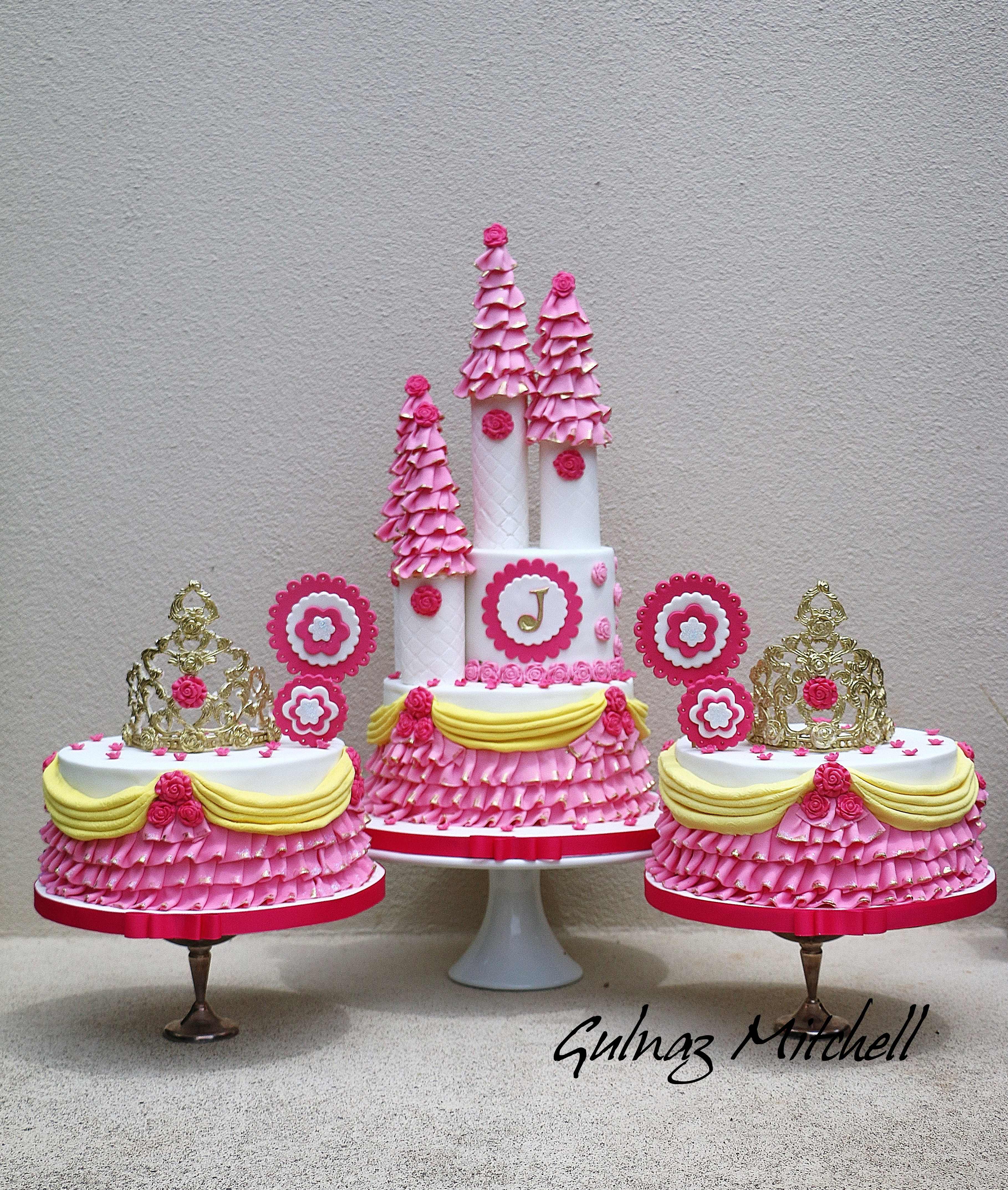 Gulnaz-Mitchell-Heavenlycakes4you-by-Gulnaz-Michell-Birthday-Baby- & Fit For a Princess - Satin Ice