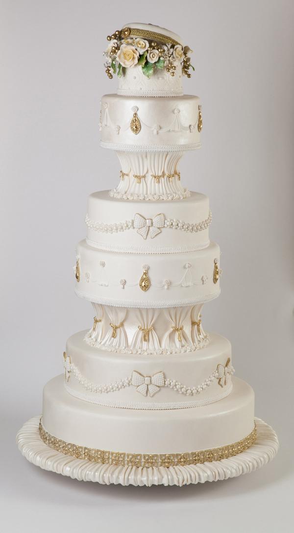 L-Mansour-wedding-cake.jpg#asset:15622