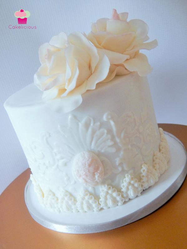 Rebekah-Wilbur-Cakelicious-Wedding-Elegant-2.jpg#asset:15635