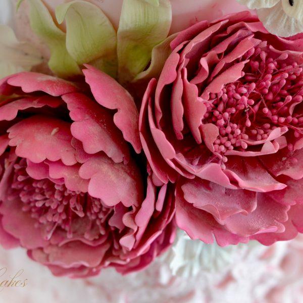 Linda-Knop-Sugar-Cakes-Wedding-Elegant-0-2.jpg#asset:18300:homeSlider