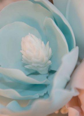 Mirjam-Saner-Mimis-Cupcakes-Wedding-Elegant-3-1.jpeg#asset:18316:paletteImage