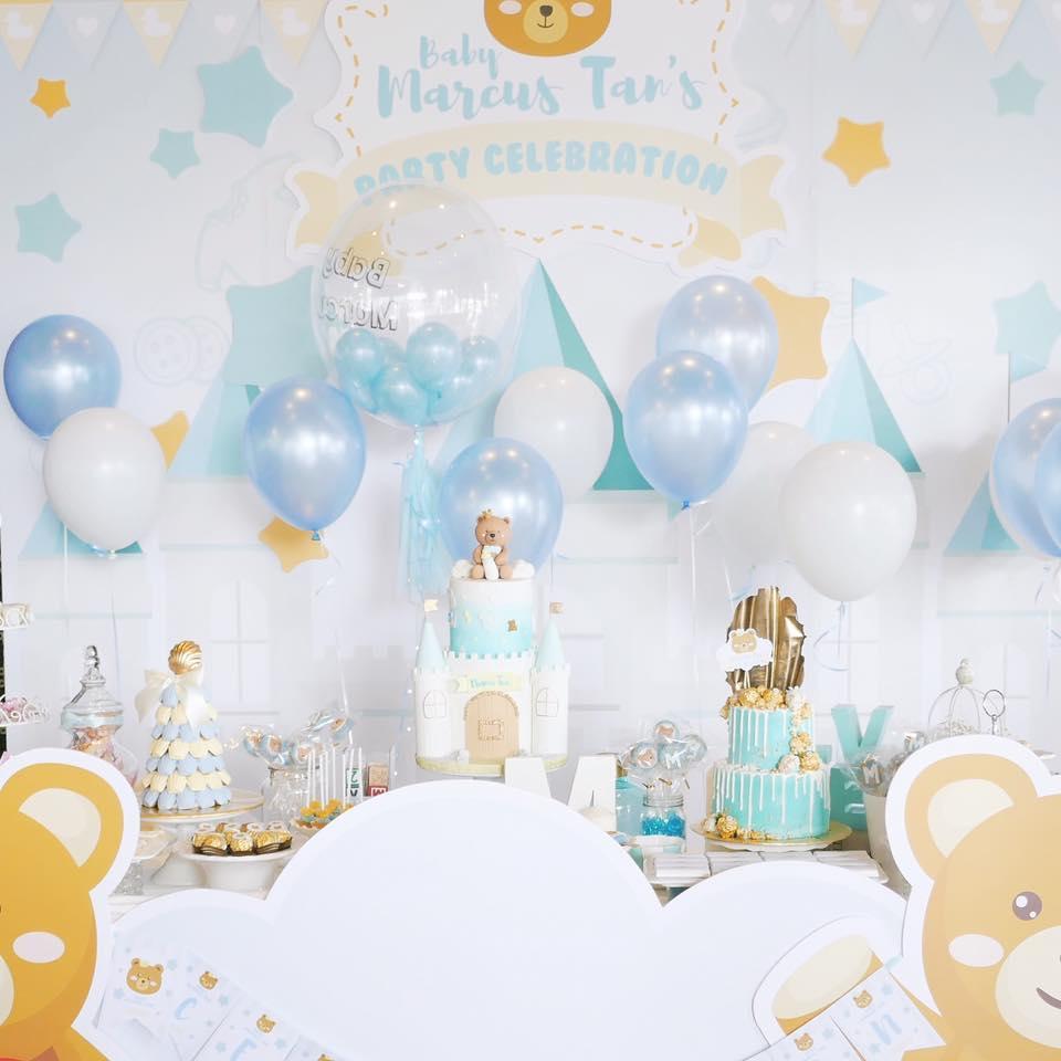 Teddy Bear themed baby shower dessert table