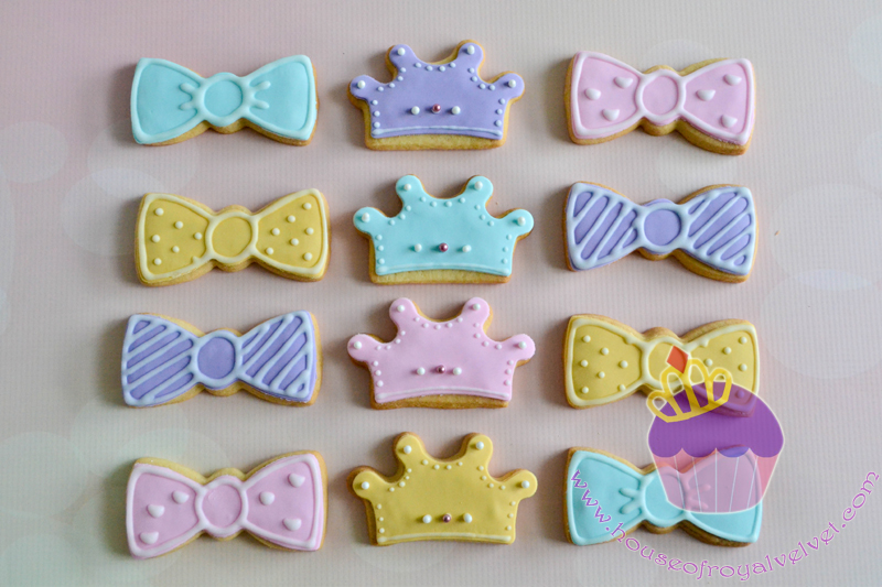 Bowtie and crown fondant cookies