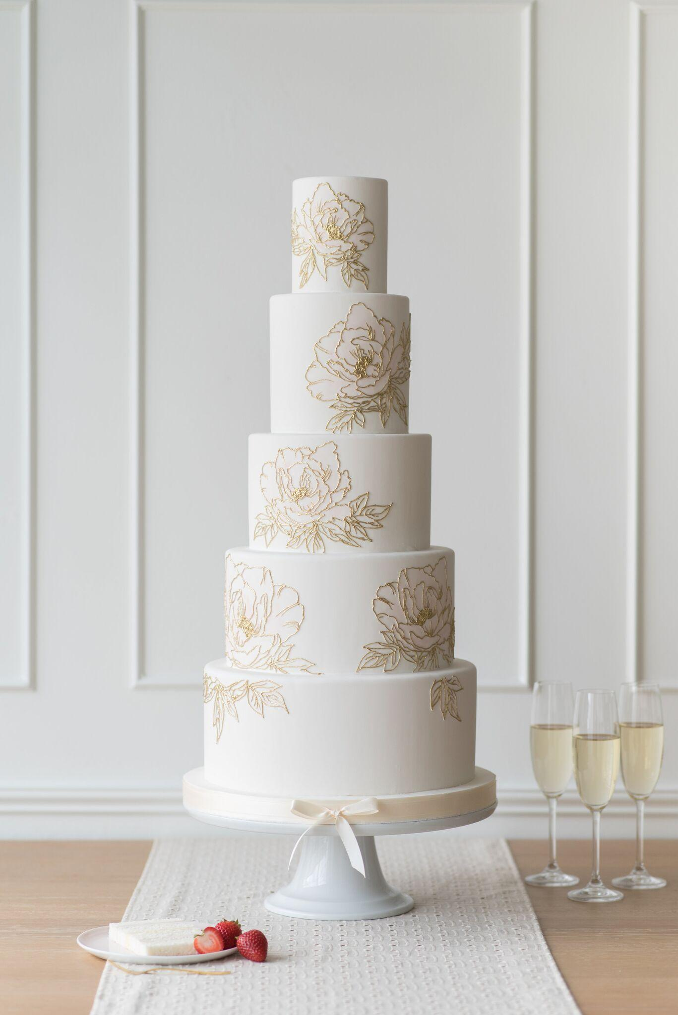 White wedding with stenciled flowers
