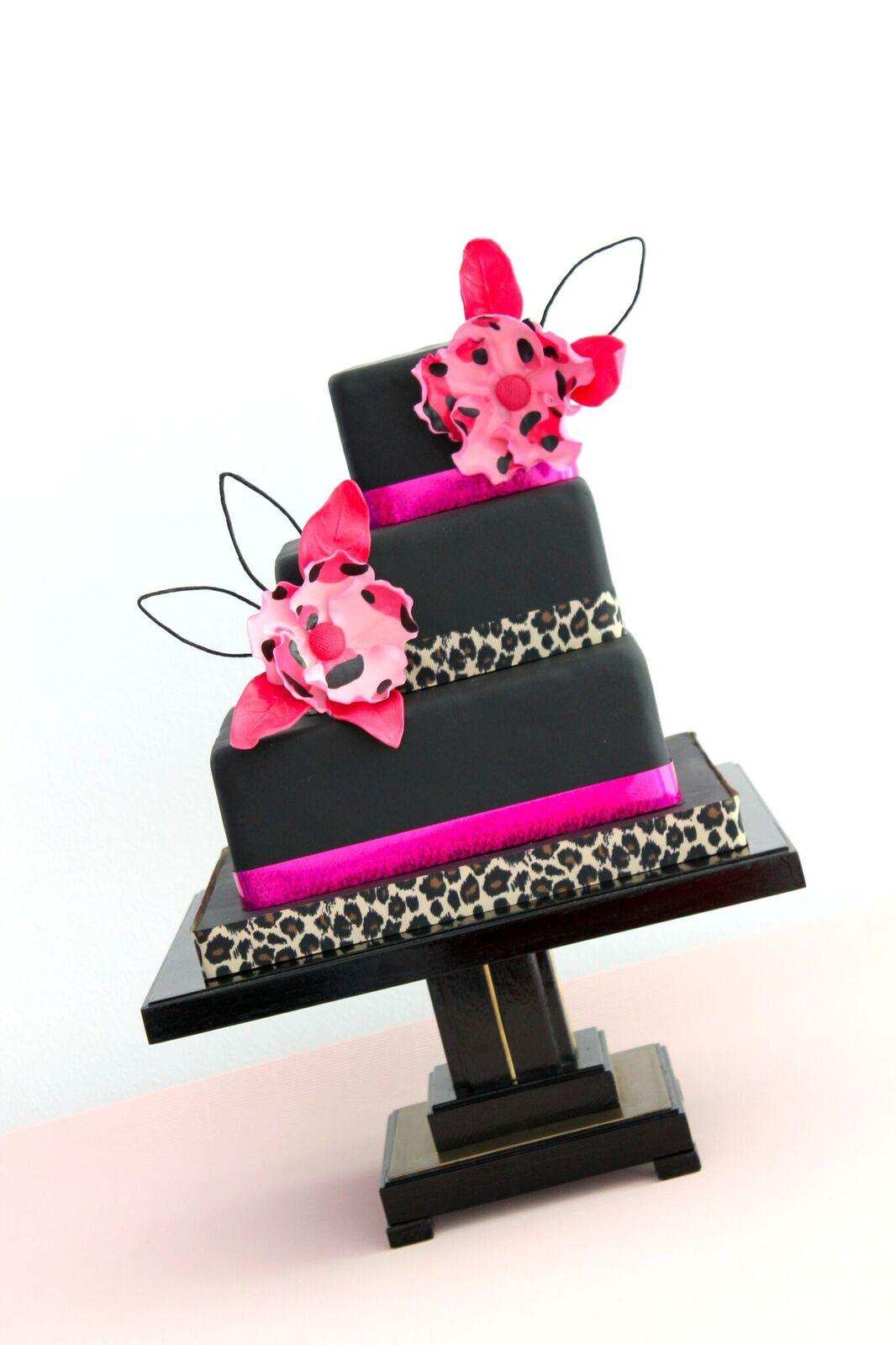 Black cake with leopard print