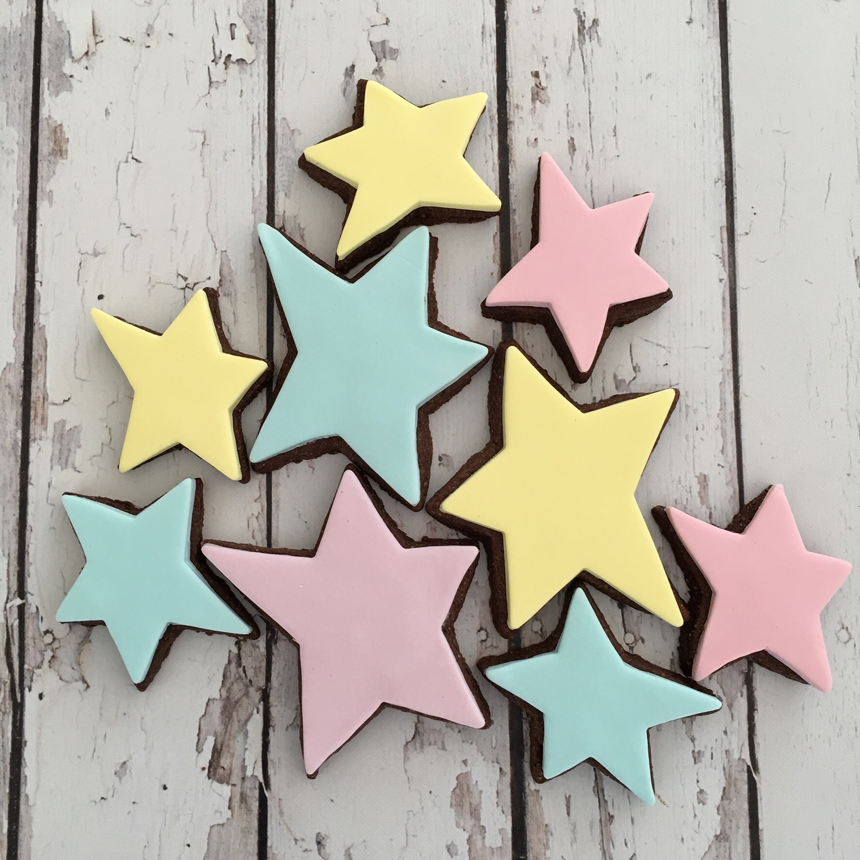 Fondant star cookies