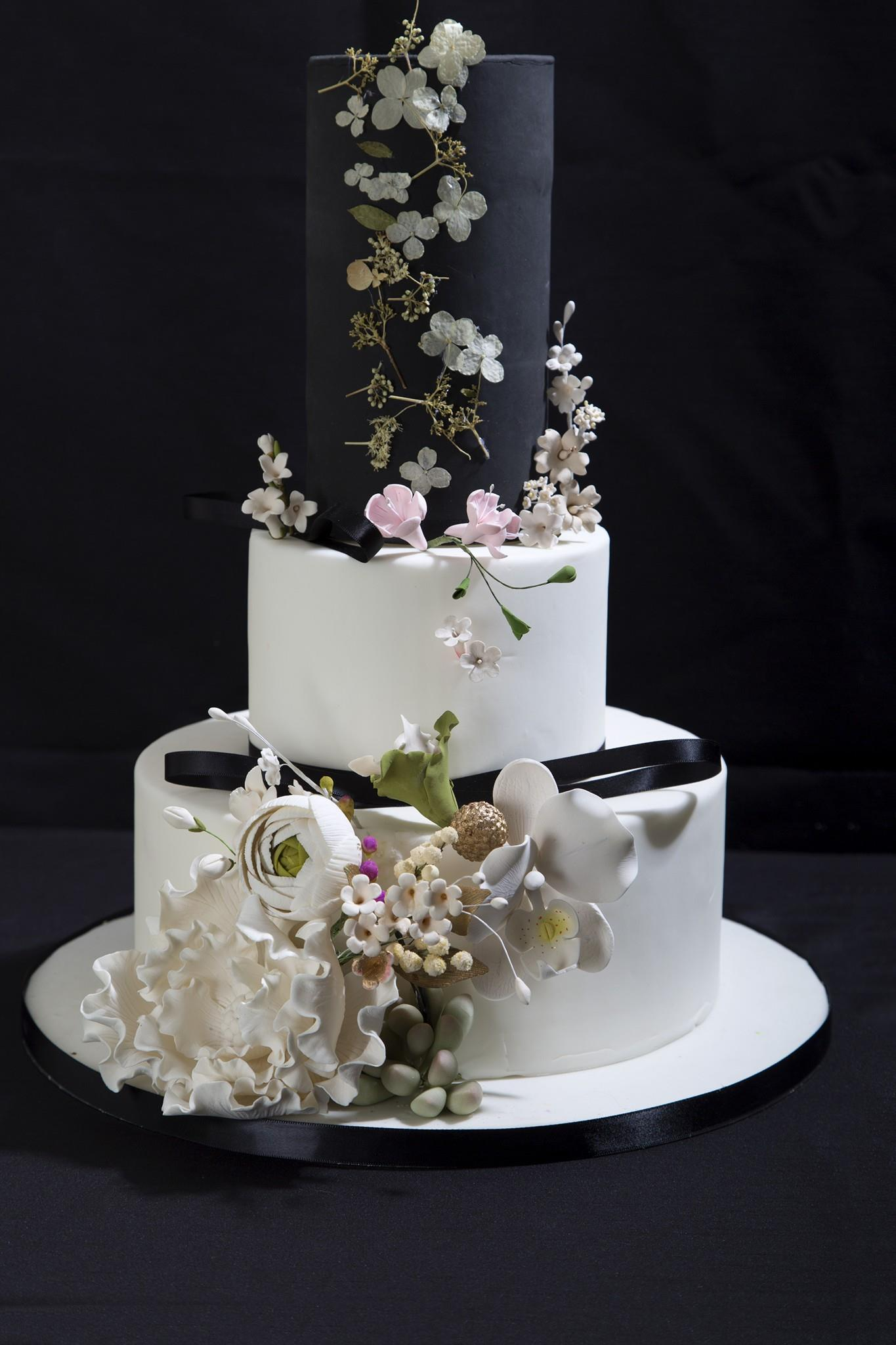 White and black wedding with sugar flowers