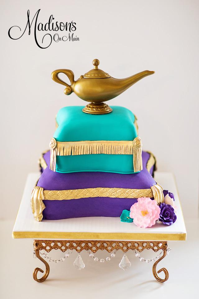 Genie pillow cake
