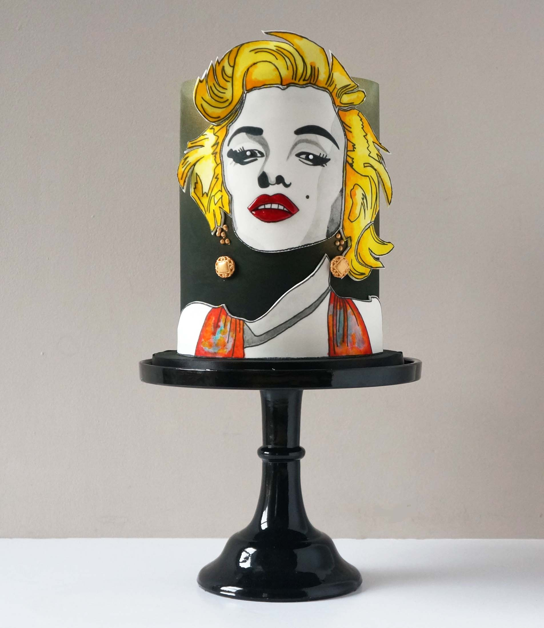 Hand painted Pop Art Marilyn Monroe cake