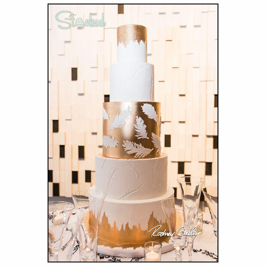 White wedding with gold leaf sparkle