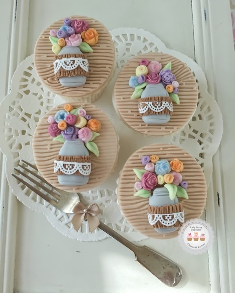 Mothers Day Rustic Mason Jar flower Cupcakes