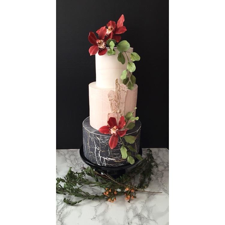 Chalkboard and pink wedding cake