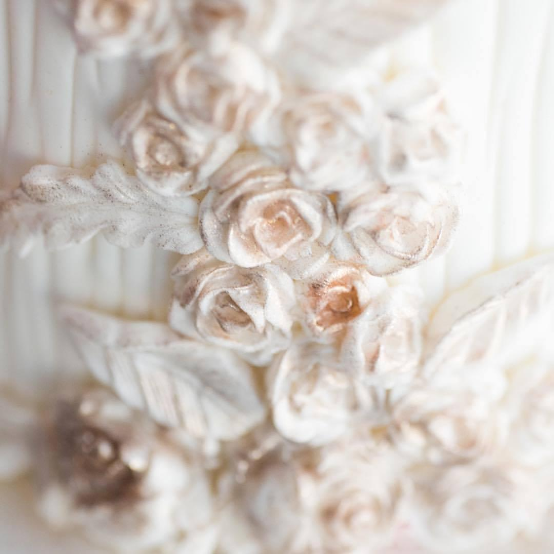 Bas relief sugar flowers