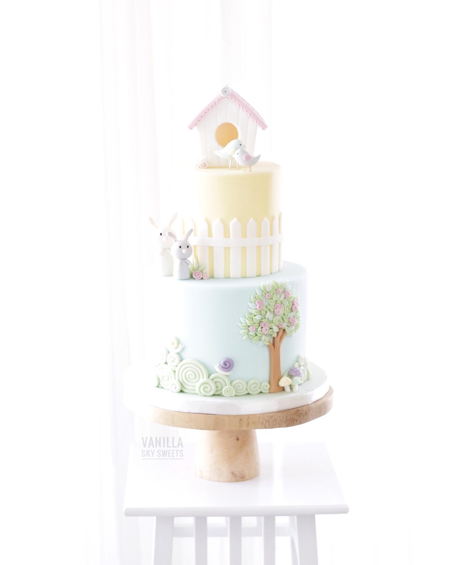 Cute Birdhouse and bunny themed cake