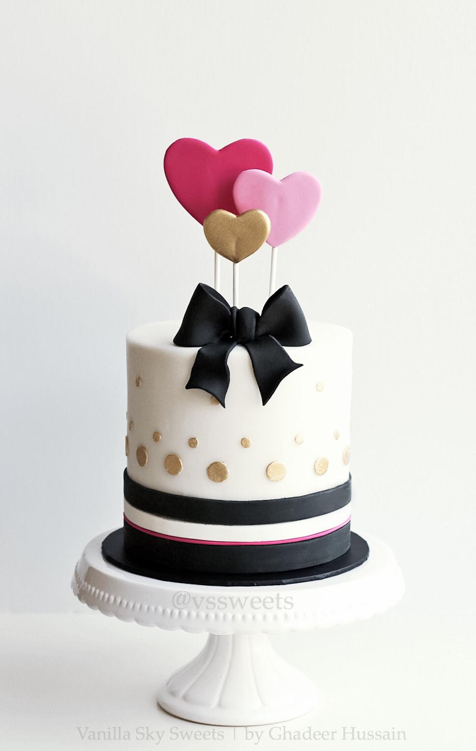 Black and white polka dot heart cake