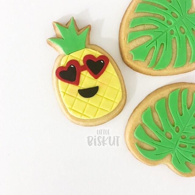 Fondant pineapple and palm tree cookies