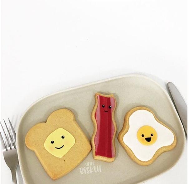 Breakfast themed fondant cookies