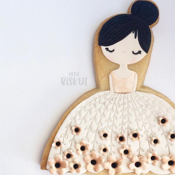 Bridal shower dress fondant cookie
