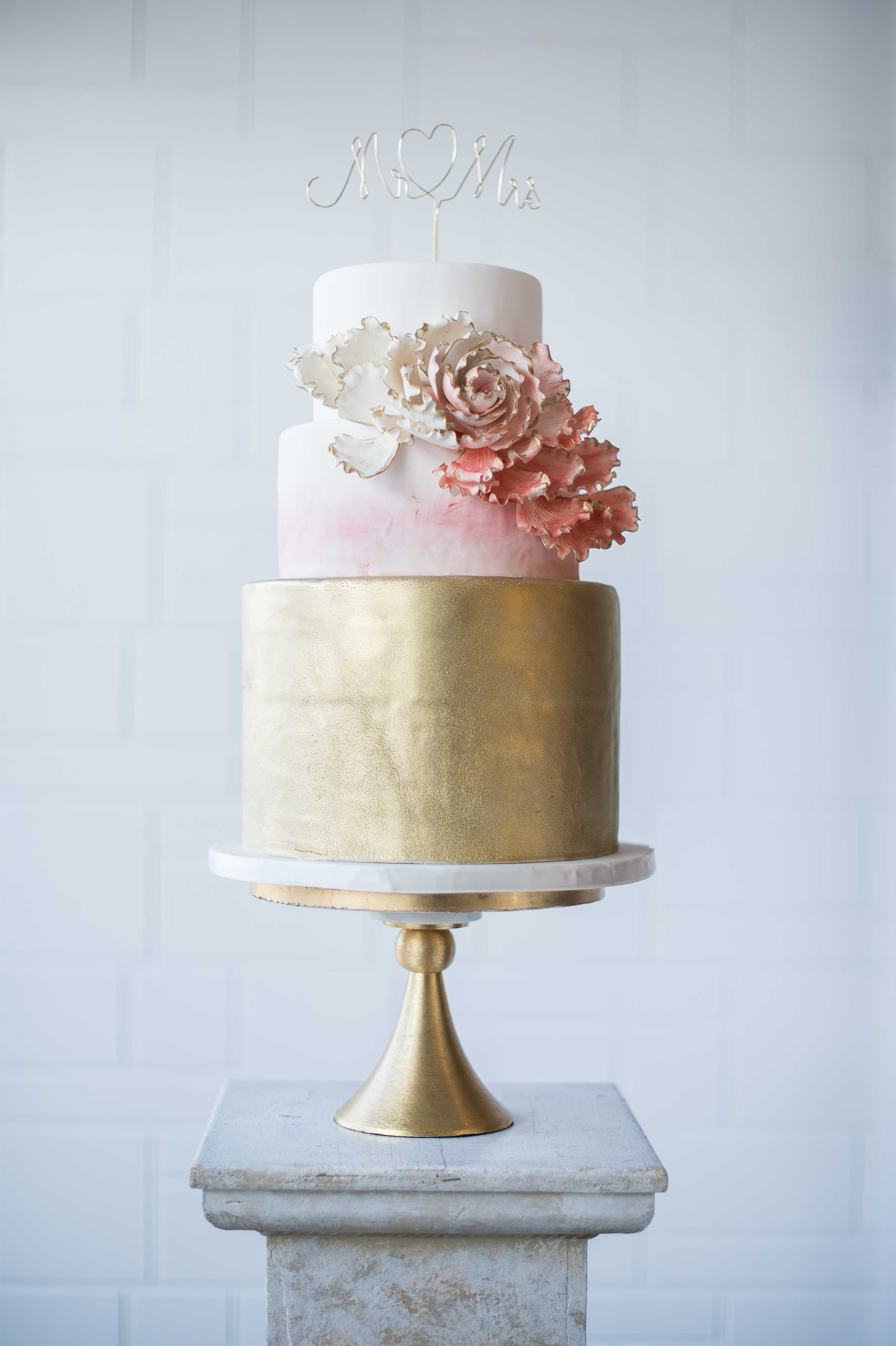 White and gold wedding with touches of pink