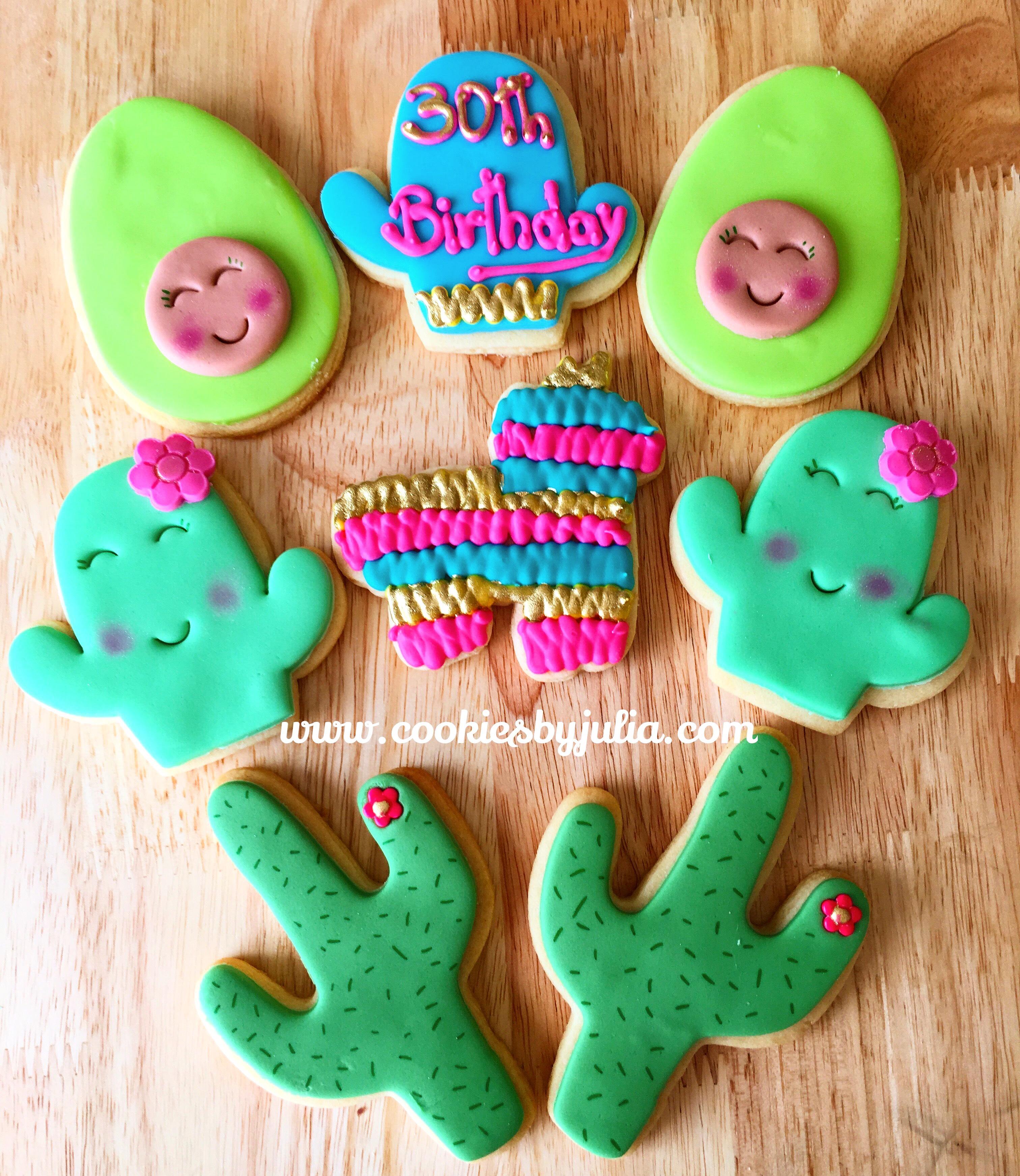 Green fondant cactus cookies