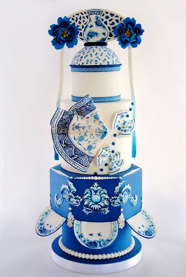 Hand painted Delft Pattern