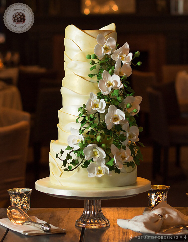 Yellow scalloped wedding cake