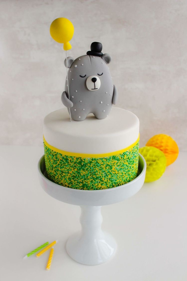party birthday bear cake
