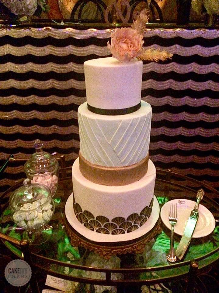 Gold & White Gatsby themed wedding cake