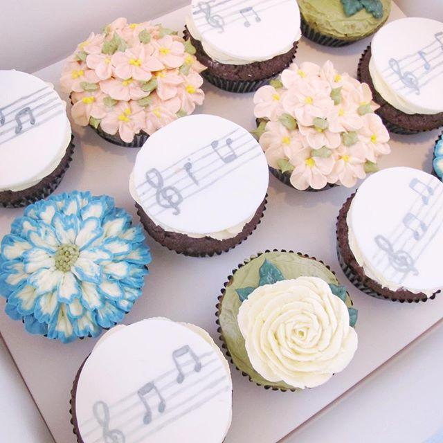 Music not and flower cupcakes