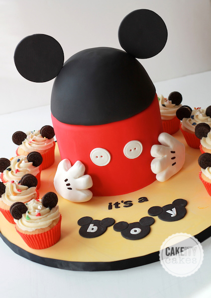 Mickey Mouse birthday cake and cupcakes