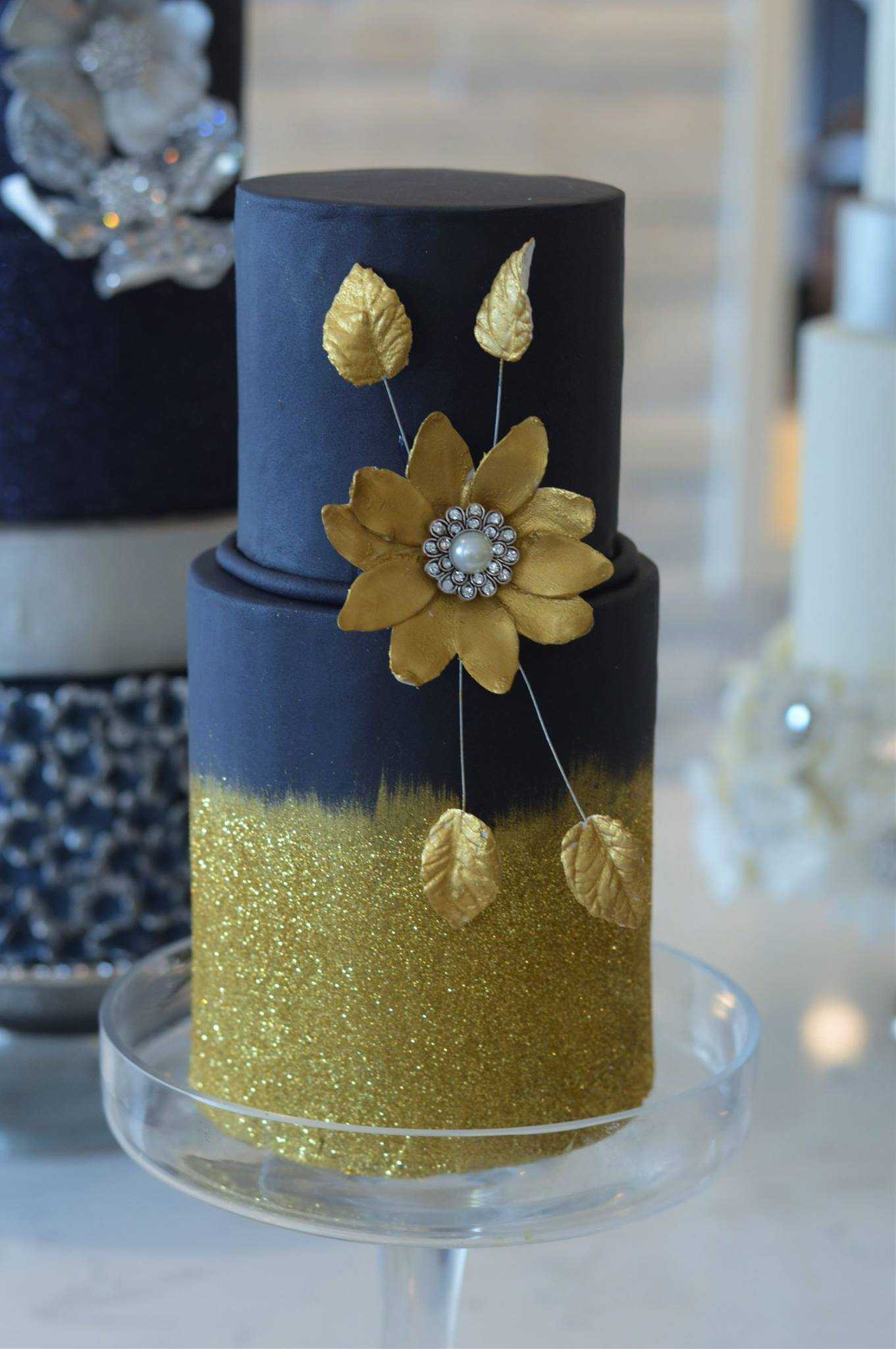 Navy blue with yellow wedding cake