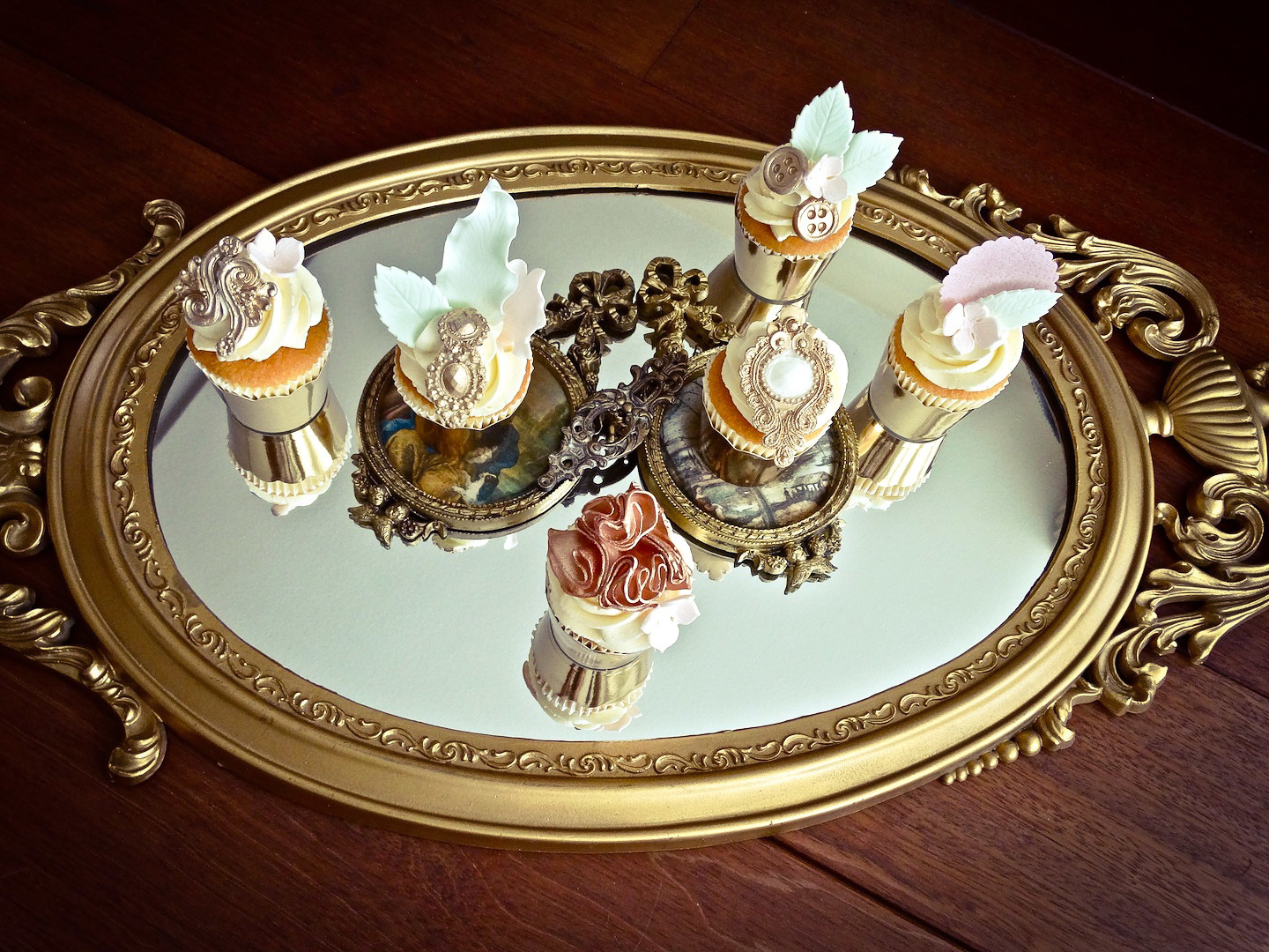 Baroque Wedding Cupcakes