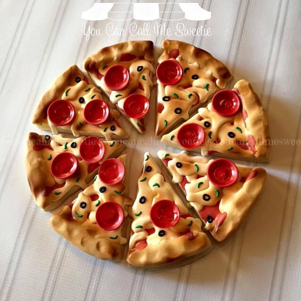 Fondant Pepperoni Pizza Cookies